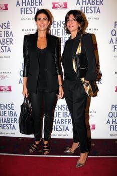 Juliana Awada junto a Evangelina Bomparola, entre las primeras en llegar a la premiere. Foto: Gentileza TIFF