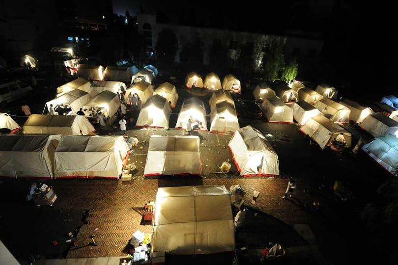 Un campamento de evacuados en el condado de Lushan, cerca de la ciudad de Ya''''''''an. Foto: AFP