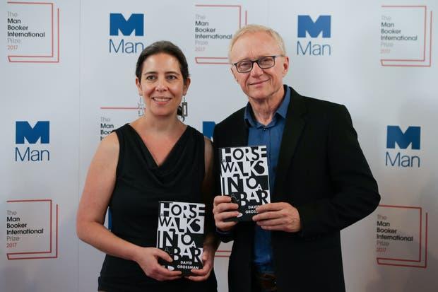 La traductora Jessica Cohen y el autor David Grossman, las dos mitades de la fórmula ganadora