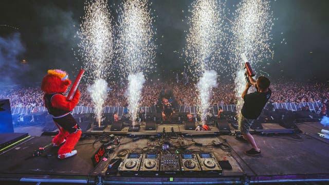 Tormenta obliga a evacuar a miles de fanáticos del festival Lollapalooza