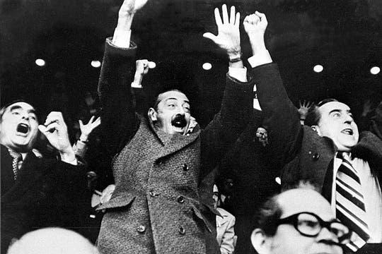 Celebrando un gol frente a Alemania durante el mundial 78. Foto: Archivo