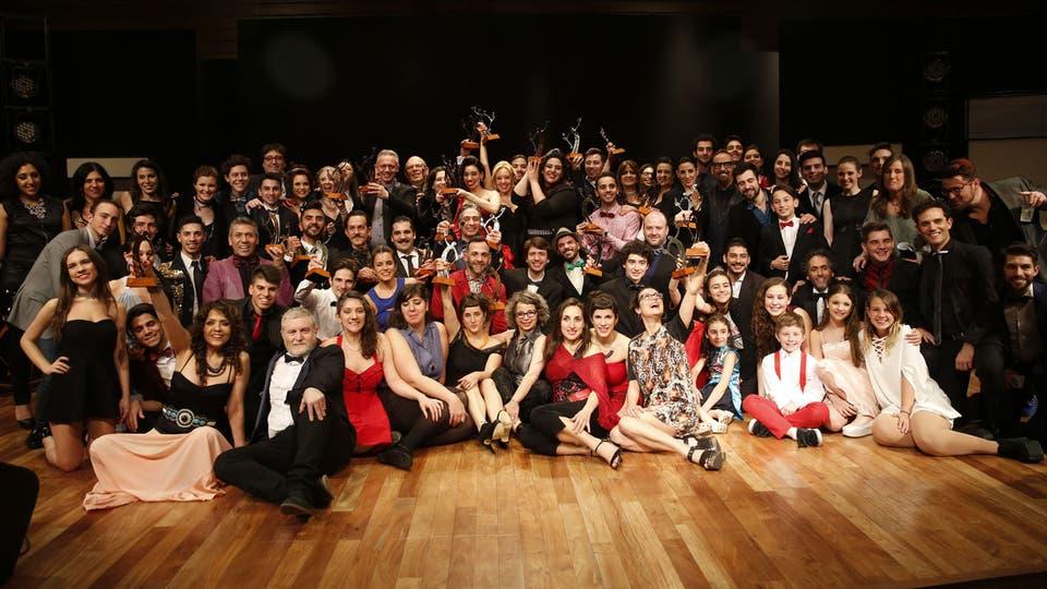 Todos los ganadores de la noche. Foto: Fabián Marelli