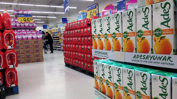 Coca-Cola y AdeS, con fuerte presencia en las góndolas argentinas