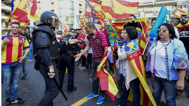 """Rajoy le envió al gobierno catalán un requerimiento para que """"retorne a la legalidad!"""""""