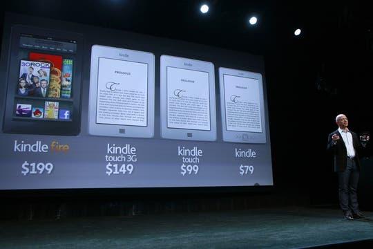 Todos los modelos de dispositivos Kindle presentados por Amazon en el evento que se realizó en Nueva York. Foto: Reuters