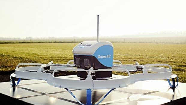 Una vista del drone utilizado por Amazon para realizar la entrega de un pedido on line que se realizó en Reino Unido