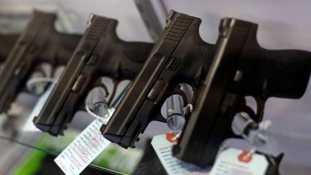 Tras la seguidilla de tiroteos en EE.UU, Texas autoriza llevar armas a las universidades