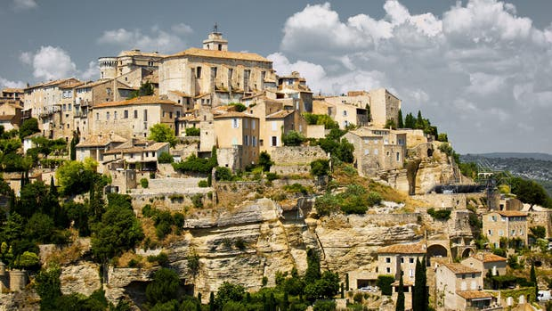 Les Baux, que recibe un millón y medio de turistas por año, luce tal como en la época medieval