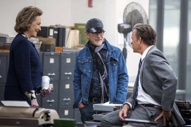 Steven Spielberg rodando The Post junto a Meryl Streep y Tom Hanks, que llega el jueves a las salas locales tras haber sido nominada al Oscar a mejor película