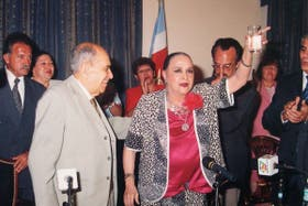 """La ex gobernadora Mercedes """"Nina"""" Aragonés de Juarez y su esposo, Carlos Juárez"""