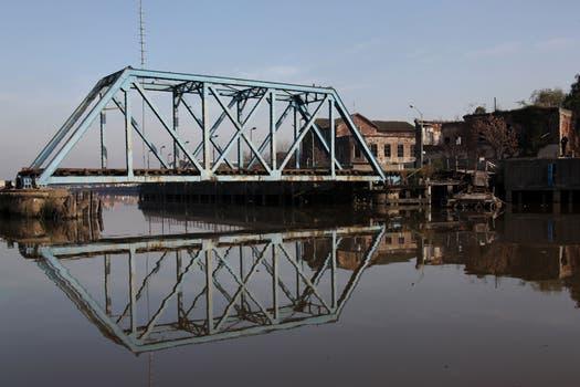 Con menos basura, el curso volvió a ser navegable después de muchos años. Foto: LA NACION / Martina Matzkin