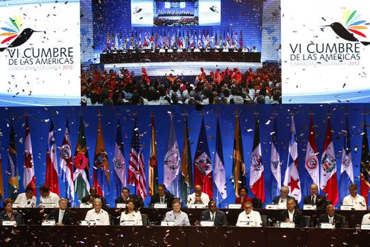 Auditorio donde los presidentes se dieron cita para hacer sus exposiciones. Foto: EFE