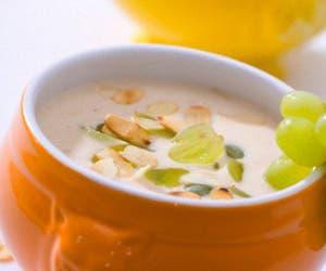 Gazpacho, ajoblanco o vichyssoise son un clásico de las mesas estivales y como la mayoría tiene base de vegetales, hidratan y son muy refrescantes en verano. Aquí, cinco sopas frías ideales para los días de más calor.
