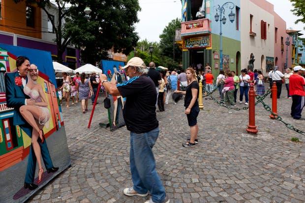 El colorido barrio de La Boca, un clásico de la ciudad que ni turistas ni porteños desean perderse