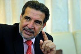 Manifestantes antiminería repudiaron la presencia del gobernador en un acto en Famatina