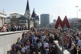 Miles de personas buscaron medios de transporte alternativos
