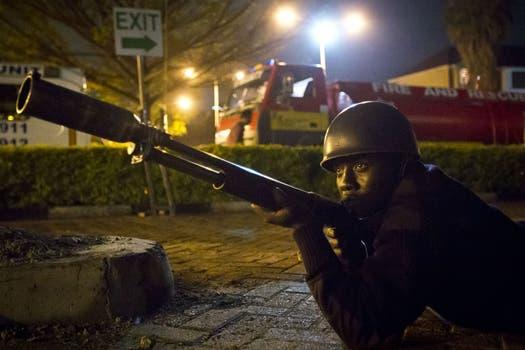 Las fuerzas especiales de Kenia trataron de controlar la situación. Foto: AP