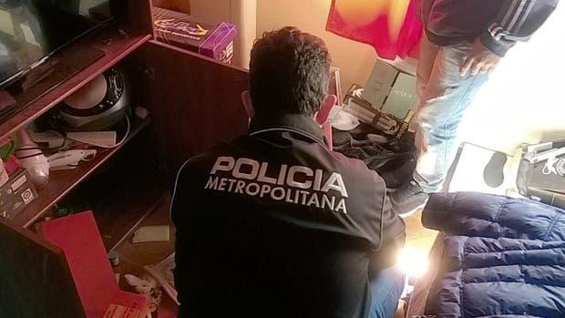 La División de Cibercrimen de la Policía de la Ciudad durante uno de los diez allanamientos