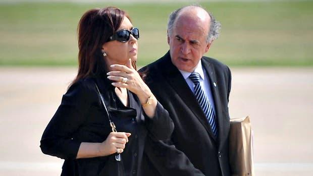 Revelan nuevas escuchas entre Cristina y Parrilli