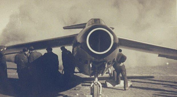 El 9 de agosto de 1947, el piloto Edmundo Weiss probó el mítico avión