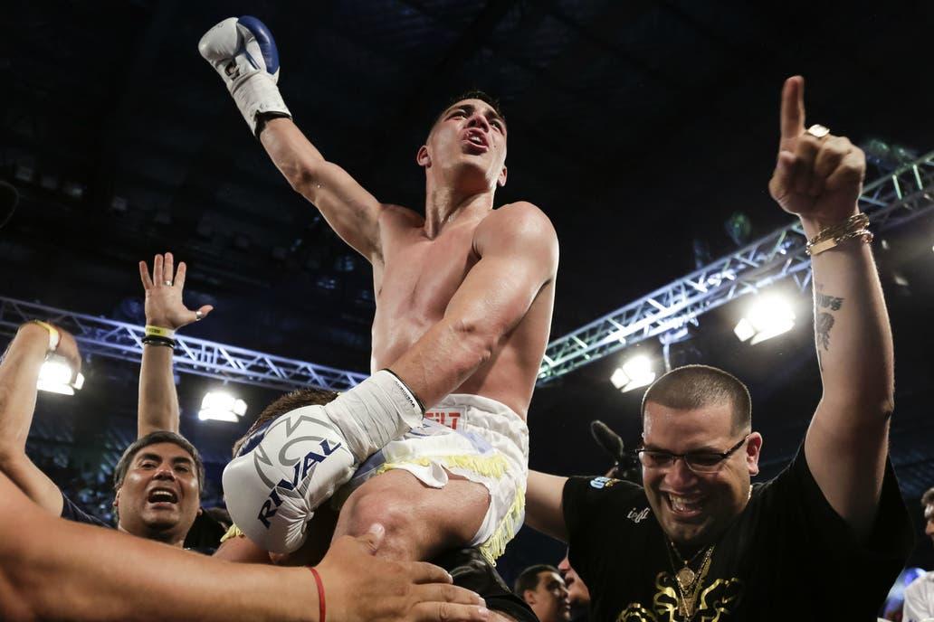 Brian Castaño defendió su título superwelter frente a Cedric Vitu — Boxeo