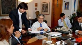 El ministro de Planificación, Julio De Vido, y el subsecretario de Cultura, Pablo Wisznia, firmaron el contrato que permitirá iniciar las obras