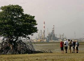 En Singapur, una pequeña isla funciona como relleno sanitario al que van a parar las cenizas de la incineración de las 7000 toneladas diarias de desechos