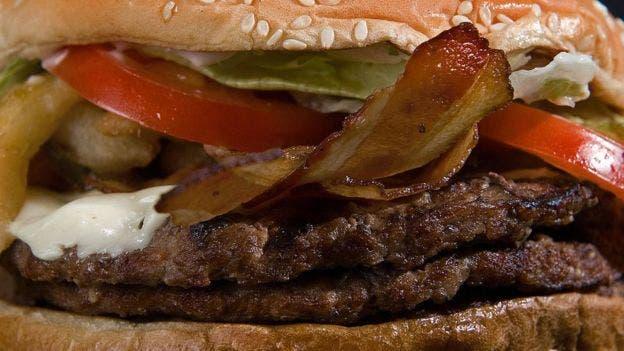 La carne es una de las principales bases de esta dieta, además de semillas y verduras altas en fibra