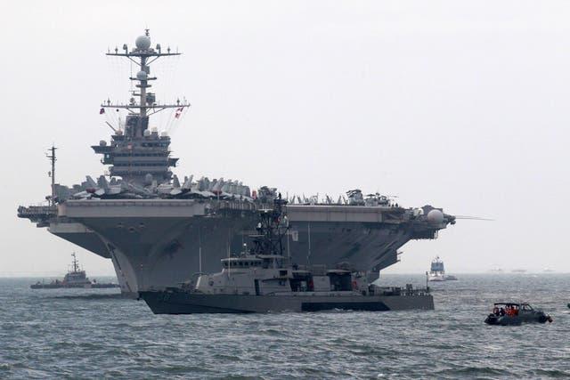 Una flota de barcos lanzamisiles y portaaviones ya está lista para atacar Siria