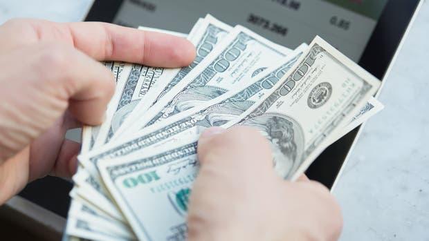 El dólar minorista cotizó a $16,05 para la venta