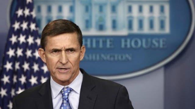 El general retirado Michael Flynn debió dejar su puesto como consejero de Seguridad Nacional tras revelarse sus contactos con funcionarios rusos
