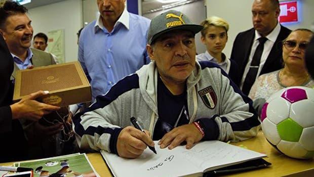 Maradona, en su llegada a Rusia
