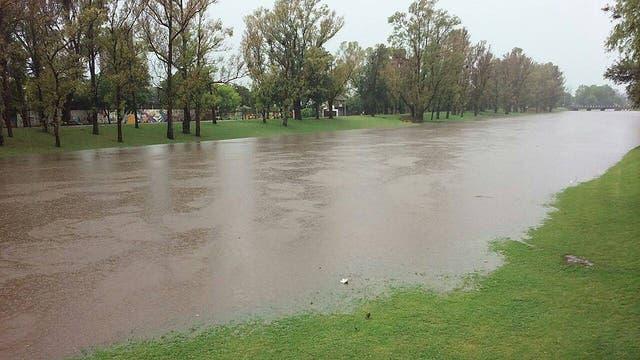 Por el fuerte temporal varias zonas de la provincia de Buenos Aires se encuentran inundadas; en Pergamino ya hay varios evacuados. Foto: Facebook Pergamino Verdad