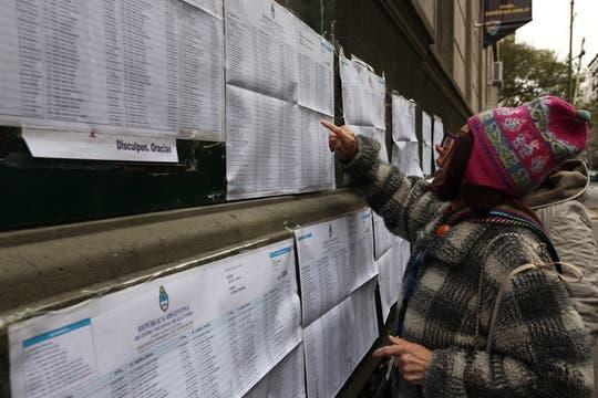 Los votantes se acercaron a las escuelas desde temprano. Foto: LA NACION / Ezequiel Muñoz