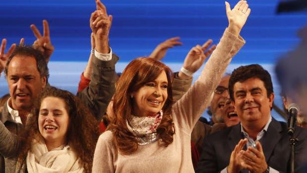 Cristina Kirchner organiza cambios en la campaña para atraer más votos