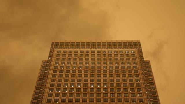 Toda la ciudad de vio envuelta en una inusual atmósfera provocada por el polvo que llegaba desde el Sahara