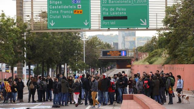 Catalanes ahogan vías de tránsito