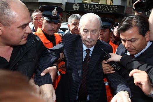 El 18 de octubre de 2011 al llegar a la sede de la AFA por las elecciones a presidente de la entidad. Foto: Archivo / Maxie Amena / LA NACION