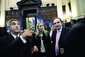 Belén con su abogado, Martín Leguizamón (izq); la Corte tiene la palabra