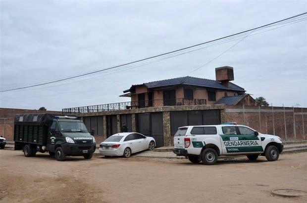 En una vivienda de altos muros se ocultaban 83 toneladas de bicarbonato de sodio