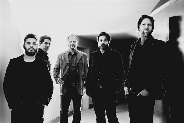 Cuatro guitarristas y un cantor para el tango del siglo XXI
