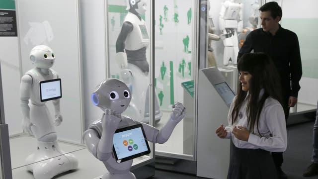 Wn la muestra del Museo de la Ciencia de Londres también está Pepper, el robot social de la compañía japonesa Softbank