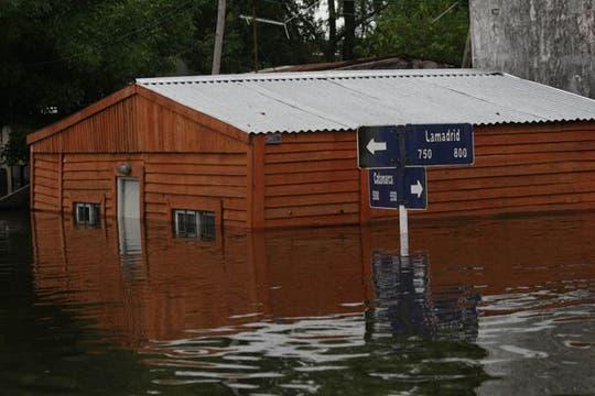 Las inundaciones provocadas por las fuertes tormentas ocurridas en Entre Ríos dejaron evacuados, muertos y materiales destrozados. Foto: LA NACION / Alfredo Sánchez
