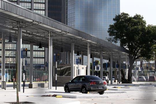 Las líneas de colectivo 105, 74, 159, 146, 109, 180, 140 y 99 tendrán como parada la estación de Madero y Grierson. Foto: LA NACION / Emiliano Lasalvia