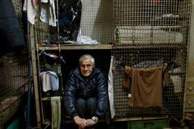 Leung Cho-yin, en su pequeño' 'hogar'' de 1,5 metros cuadrados