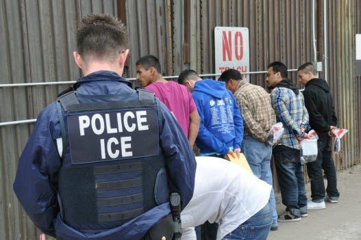 Indocumentados, justo antes de ser deportados