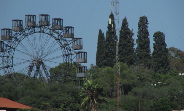 La Vuelta al Mundo de Eiffel, en el parque Sarmiento