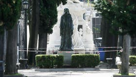 Una estatua se desplomó en el Cementerio de Recoleta y provocó heridas a una persona
