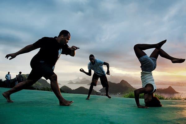 En trance con la capoeira. Foto: Gentileza www.pirellical.com