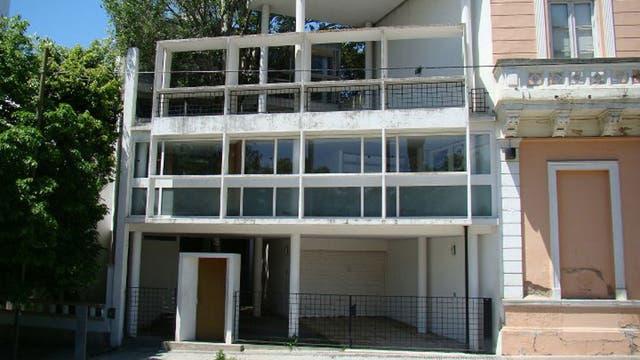 La icónica Casa Curutchet, única edificación construida por Le Corbusier en la Argentina